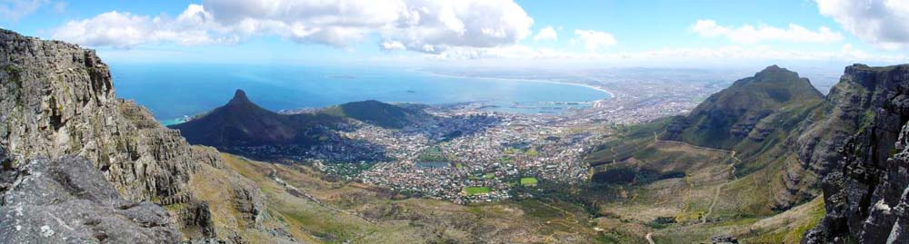 Panorama Image of Cape Town taken from the Table mountain (Sept 2006) Wikimedia Commons.